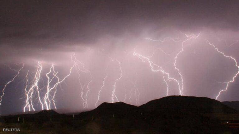 عواصف مُميتة تضرب الساحل الجنوبي الشرقي للولايات المتحدة