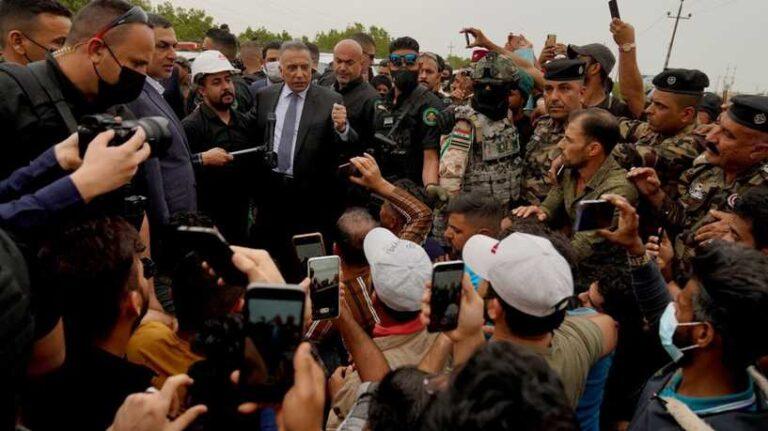 الكاظمي يلتقي متظاهري البصرة