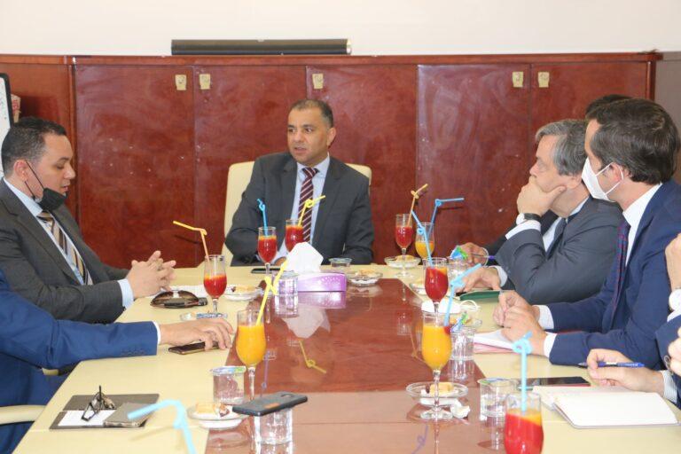 المواصلات تبحث تعزيز التعاون مع إسبانيا في مجال النقل الجوي والبحري