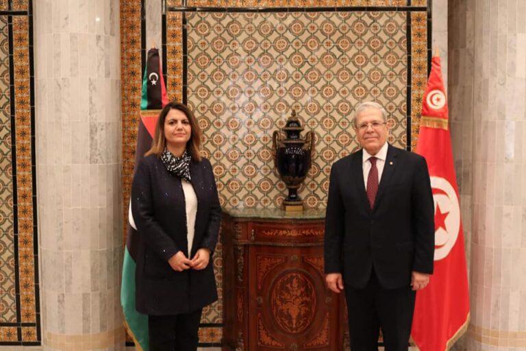 «المنقوش» تبحث مع نظيرها التونسي تطوير العلاقات بين البلدين